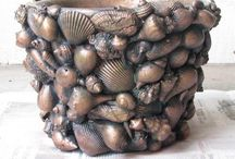 Plantenbak met schelpen