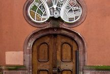 doors / by Lety GG