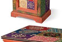 Mesita hindú pintada multicolor