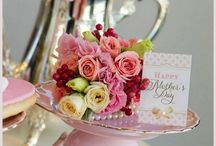 "Mother's Day Flowers / Say a big ""thanks"" to your special and unique Mother with our exciting new Mother's Day flower designs or choose from your favourites. Your Interflora florist will hand pick the best quality flowers to prepare your gift."