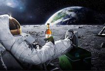 Ur-Krostrizer Astronaut Bier / Ur-Krostrizer Astronaut Bier Flasche Mond Ur Krostrizer Carlsberg