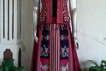 model fashion etnik