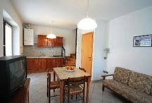 Residence Cirese / Il Residence Cirese è costituito da 9 appartamenti autonomi completamenti arredati e accessoriati dove gli ospiti potranno godere di momenti di relax immersi nel verde.