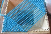 Pin Loom Weaving / small loom weaving