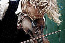 Fiddlin' Around / by Melissa Shingler