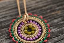 Joyas: With tiny beads