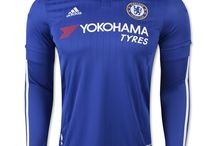 Sportowa odzież np. koszulki piłkarskie itp.