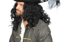 Piratenparty Kostüme & Zubehör / Bei uns im auf Horror-Shop.com findest du eine riesige Auswahl an coolen Piratenkostümen & Accessoires für Halloween, Karneval und die nächste Seeräuberparty!