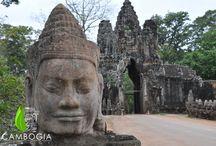 Siem Reap / Privilegiata porta d'accesso alle millenarie rovine dei templi dell'impero khmer, Siem Reap è naturalmente associata al celebre tempio di Angkor, patrimonio dell'umanità e luogo di incantevole mistero.  Scoprite le esperienze di viaggio proposte a Siem Reap su www.cambogiaviaggi.com