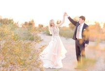 What to Wear For Engagement Photos & Couples Photos / Inspiration for wardrobe and styling ideas for engagement & anniversary sessions | Couples Photography styling ideas