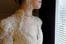 Modest Wedding Dress / Modest wedding dresses don't have to be frumpy! www.ColleenHammond.com