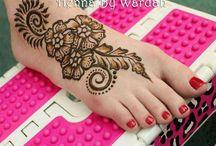 Artsy Henna / by IhsaanArt