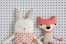Muñecos y cositas en tela♥♥♥ / by Sol Solca