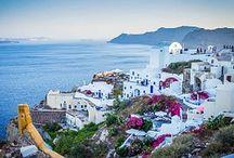 #SANTORINI / Santorini. Perla de las Cycladas. Su paisaje y sus playas son el atractivo para miles de visitantes.