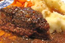 Crock Pot Dinners / by Donna Graden