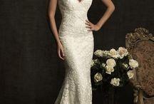 Wedding Dresses / by Bianca Briola