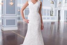 Romantic Lace Dresses