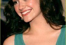 Emmy Rossum hair style