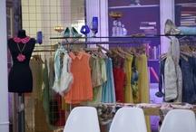 Le Showroom / Chaque candidate devra défiler devant les autres concurrentes. Pour les accueillir, ce sublime showroom!
