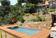 Reportage photo :  une piscine dans les Bouches-du-Rhône / Sur le littoral, cette piscine Piscinelle rectangulaire est implantée dans la commune d'Ensuès-la-Redonne, en région Provence-Alpes-Côte d'Azur.