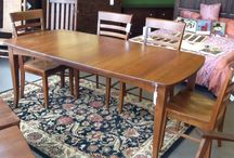 Dining Room Set / Table and 6 Chairs