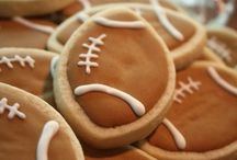 Fall Football / From tailgates to football Sundays, football season in a great time in the world of food.  Check out our favorite football foods!
