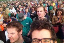 Stappen voor overkapping! / Zondagmiddag verzamelden een dikke 10.000 (!) mensen voor de overkapping van de ring in Antwerpen. We voerden actie tegen het BAM-tracé, en voor een overkapping. Organisatoren waren Straten-Generaal en Ademloos, twee protestgroepen die al jaren strijden tegen het BAM-tracé. Groen, strijdvaardig pleitbezorger van een overkapping, was er -uiteraard- talrijk aanwezig!