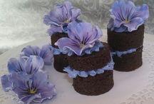 Short  naked cakes