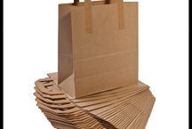 Papierowe torebki na herbatę, prezenty / Ta tablica dotyczy akcesoriów do pakowania prezentów. Zawiera wiele zdjęć torebek z uchwytem, torebek na prezenty. Torebki są ważnym elementem w sprzedaży, ponieważ przyczyniają się do podniesienia sprzedaży i podkreślają wyjątkowość zakupu. Nasi klienci używają torebek też do pakowania np. orzechów, ciastek, trufli, czekolady, cukierków czy też różne prezenty.