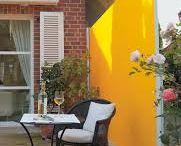 Vertikalios markizės / Vertikalios markizės dažniausiai naudojamos atskirti erdvę terasoje, kaip papildoma apsauga nuo saulės, kuri suteikia privatumo.