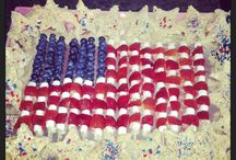 4th of July  / blueberries, strawberries and mini marshmallows surrouded by star shaped ric crispie treats / by Amanda Horner