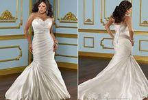 Wedding dresses / by Monica Riley