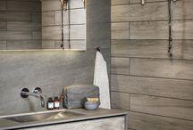 Ljusnan Badrumsmöbler / En riktig trendig möbelserie i modern stil. Denna exklusiva serie tilltalar den trendmedvetne. Vi använder väl valda material av gråbetsad ek, sten och rostfritt stål.