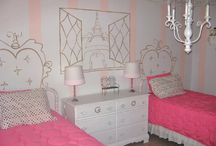 Decorating Ideas for Kids Bedrooms / by Julie Battaglia