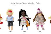 Käthe Kruse 38cm Waldorf Dolls / Käthe Kruse Waldorf dolls are handmade from 100% natural materials. The handmade faces are lovingly and yet in the spirit of the Waldorf philosophy simple. Käthe Kruse Waldorf dolls stimulate the imagination and invite creative play. The Clothing are made child-friendly and can be easily put on and off.