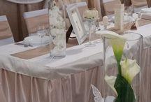 """Esküvői dekoráció -  Az elegáns mogyoró / Esküvői dekorációk között , amikor visszafogott színeket keresnek a párok, a legtöbben leragadnak a krémes árnyalatoknál. Főleg akkor, ha nem szeretik a """"fagyi színeket"""". Pedig  a mogyoró is tökéletes választás lehet!"""