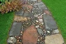 Chodník z kamenů