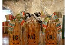 Teacher Gifts / by Kelley Wiggins