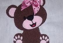 BORDADOS / Bordados para Fraldas de Bebes e Panos de Prato decorados Aventais decorados etc tudo em bordados.
