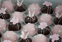 Cake pops and balls