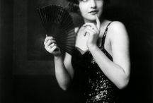Zigfield's incredible girls / The woderful women of the famous Ziegfield Shows in the years '20