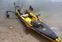 Båtar kanoter mm på vatten