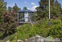 Huvimajat ja vilpolat / Pienet puutarharakennukset antavat mahdollisuuden nauttia vehreydestä myös sateen sattuessa. Kesäkeittiössä ruuanlaittoon tulee ihan uusi ulottuvuus.