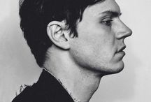 ♡EVAN PETERS♡