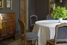 Dramatic Dining Rooms / http://www.designedbykrystle.com/2013/04/dramatic-dining-room-details.html