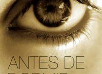_livros  / by Aniele de Barros