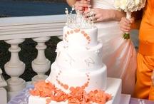 Tangerine colors for weddings / Wedding ideas in tangerine colors.