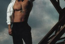 Mark Wahlberg / Pictures of actor Mark Wahlberg, from his movies, behind the scenes, and photoshoots.