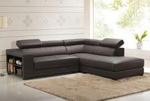 Design et praticité / Voici une sélection de meubles qui vous simplifieront la vie. Idéales pour les petits espaces, ces solutions de rangements sont adaptés pour tous les budgets.