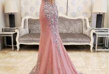 Plesové a svatební šaty